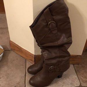 Women's Brown Boots w/ Heel